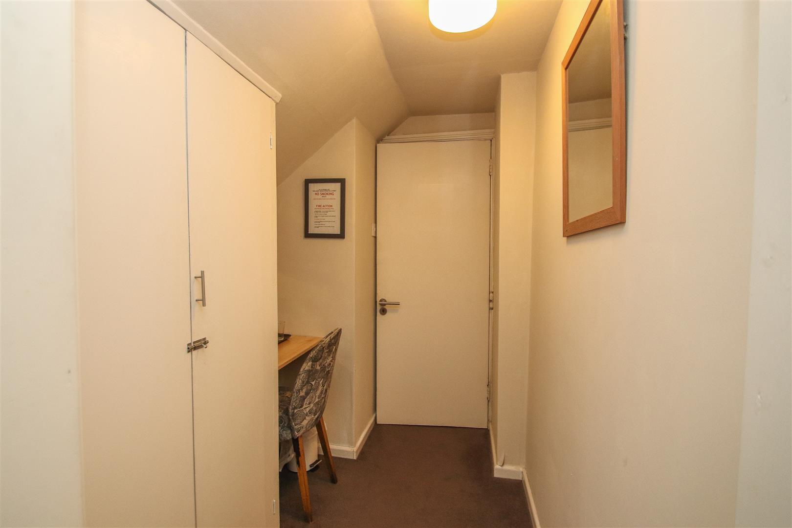 Bedroom 6 Dressing area